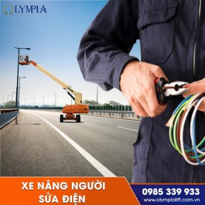 An toàn và rủi ro khi sử dụng xe nâng người sửa điện